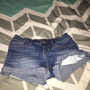Hollister stretchy shorts 00